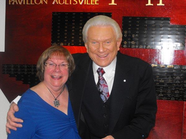 Tommy & Lorraine posing